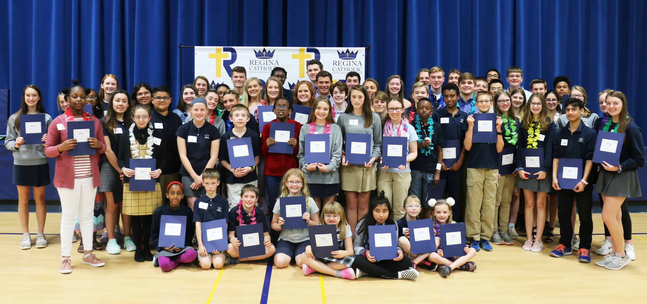 2019 Scholarship Recipient Group Photo